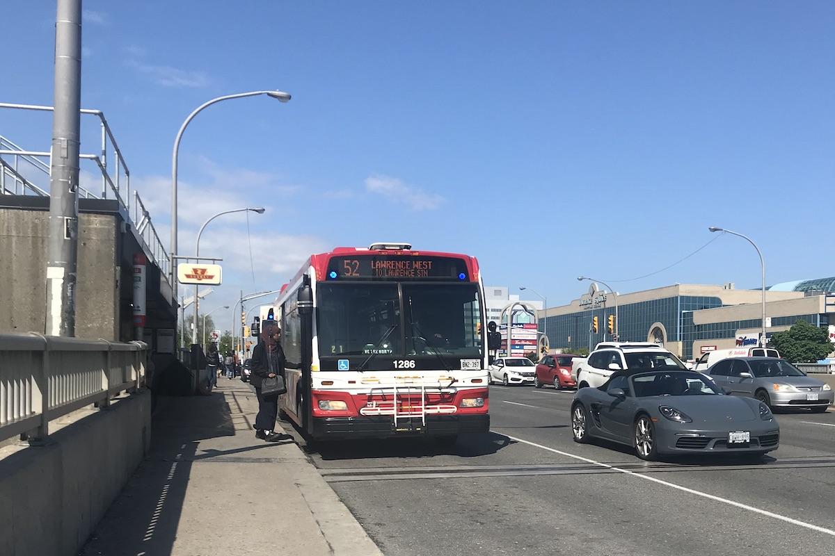 カナダ・トロントTTCのバス