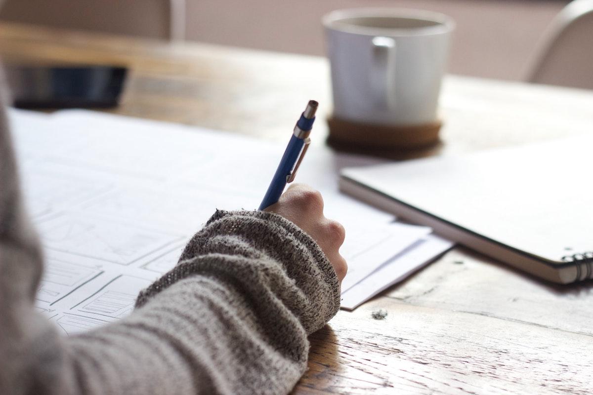 ペンで紙に記載する