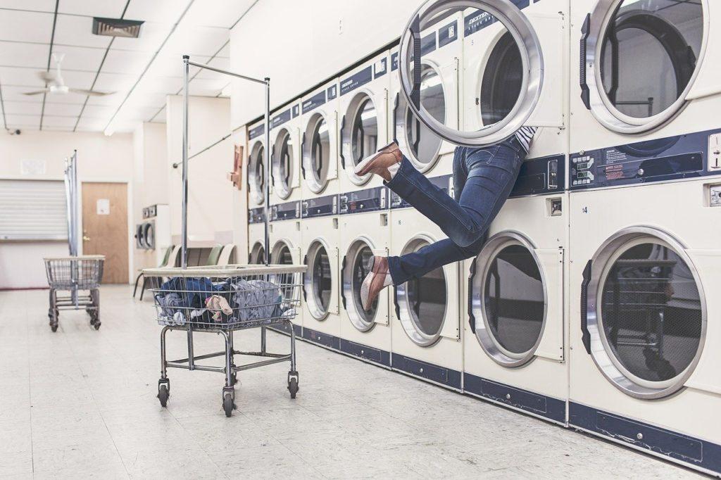 留学先で洗濯機が壊れる