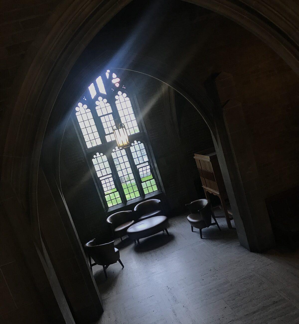 トロント大学のキャンパスでハリーポッターみたいな談話室