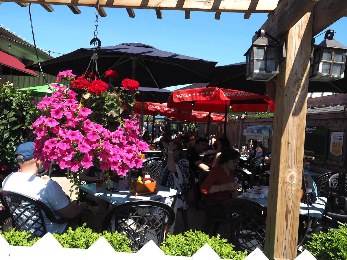 トロントのユニオンビルのレストラン