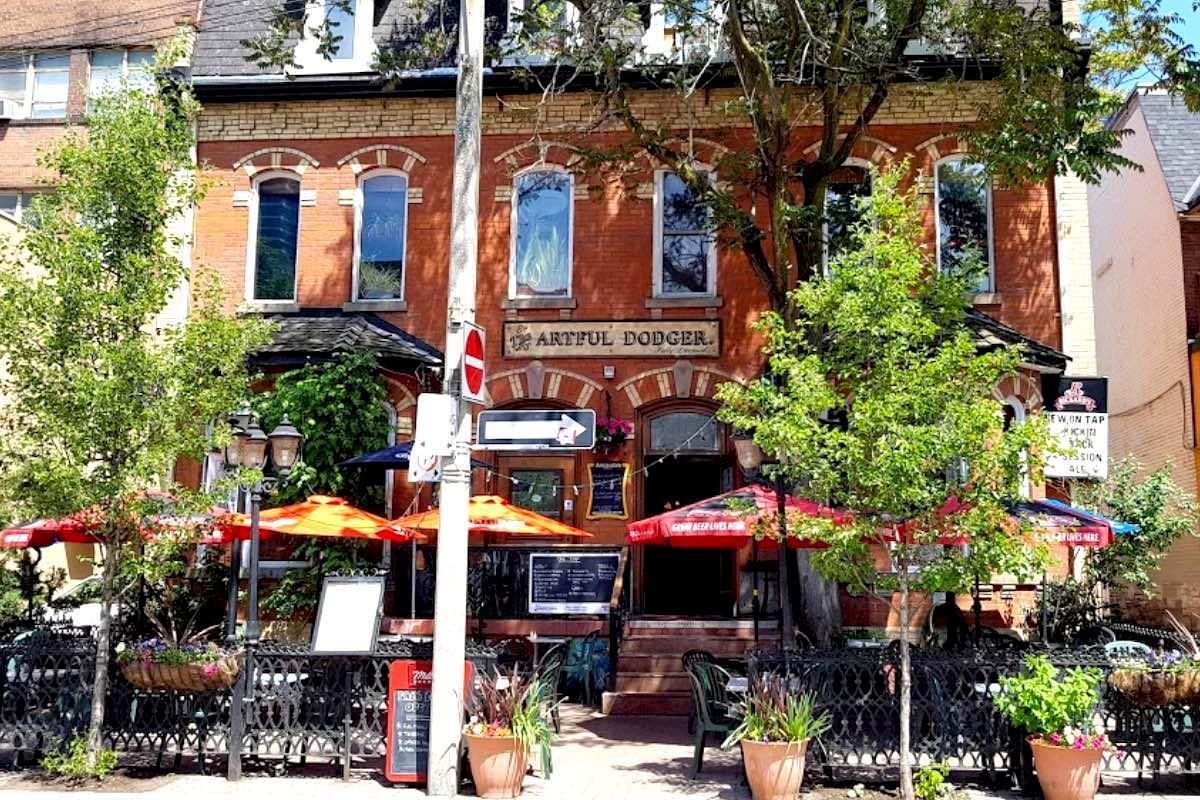 トロントのArtful Dodger Pub