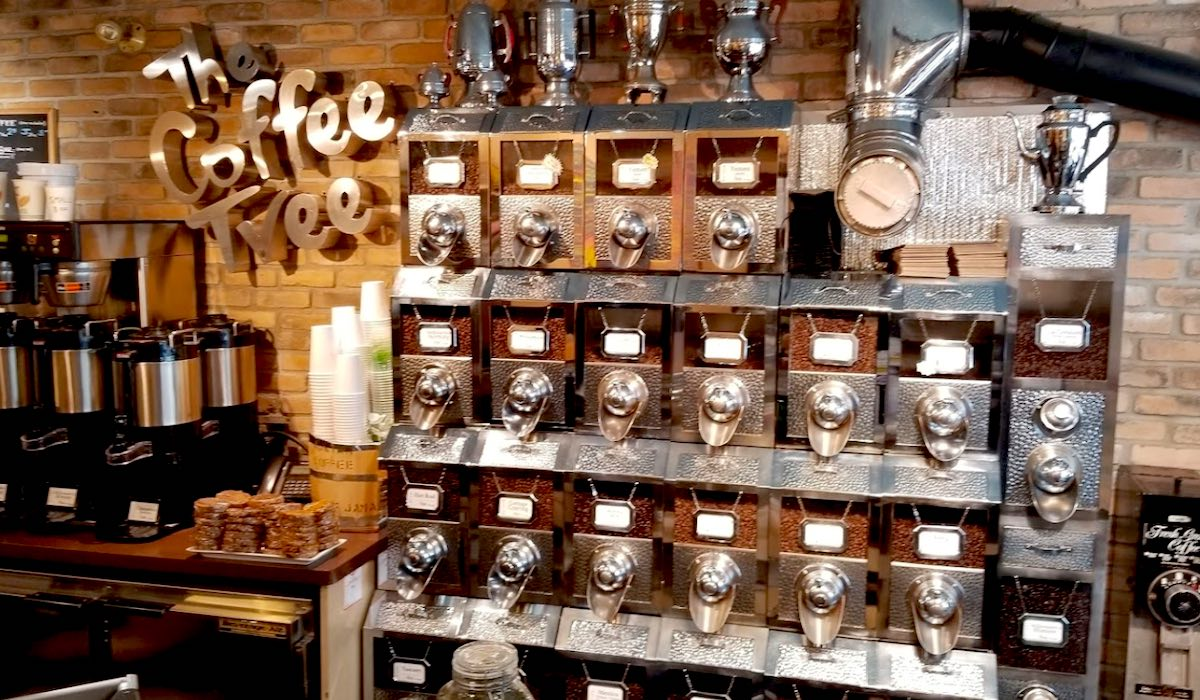 トロントのブロアウェストビレッジ Coffee Tree Roastery