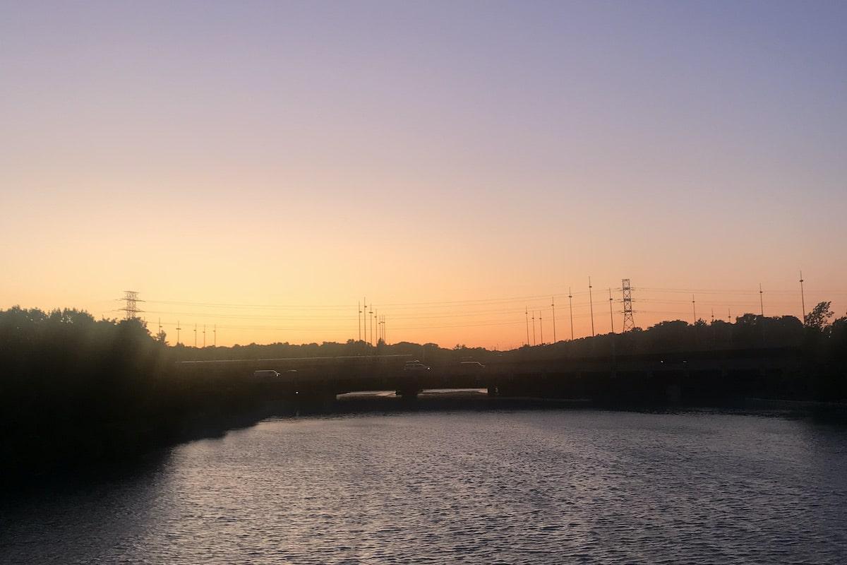 トロント・ハンバーベイアーチブリッジから見える景色